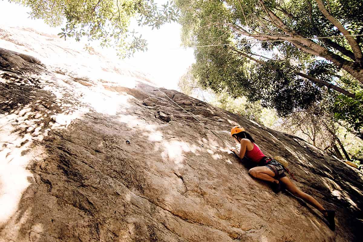 Kletterkurs in den Bergen von Portugal