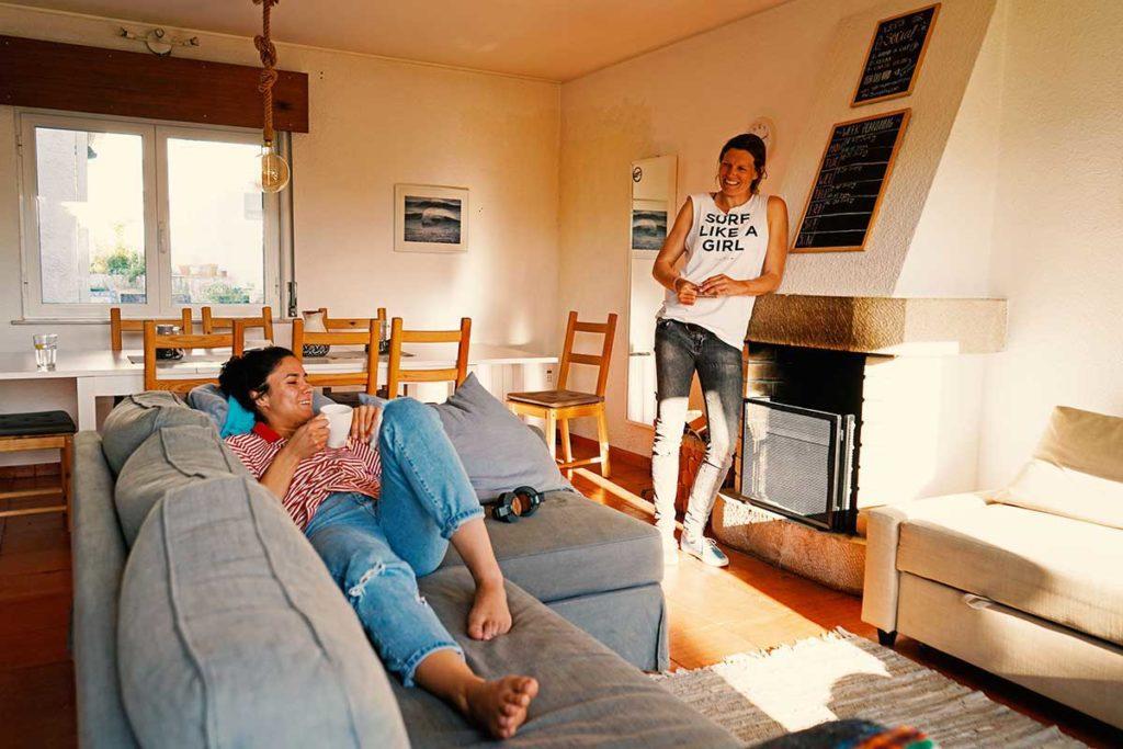 Relaxen im gemütlichen Surfcamp in Portugal