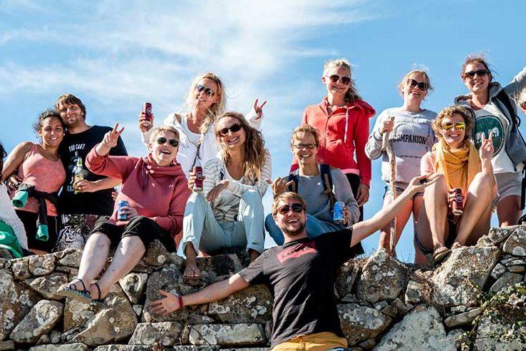 Triff Gleichgesinnte und neue Freunde im SaltyWay Surfcamp in Portugal